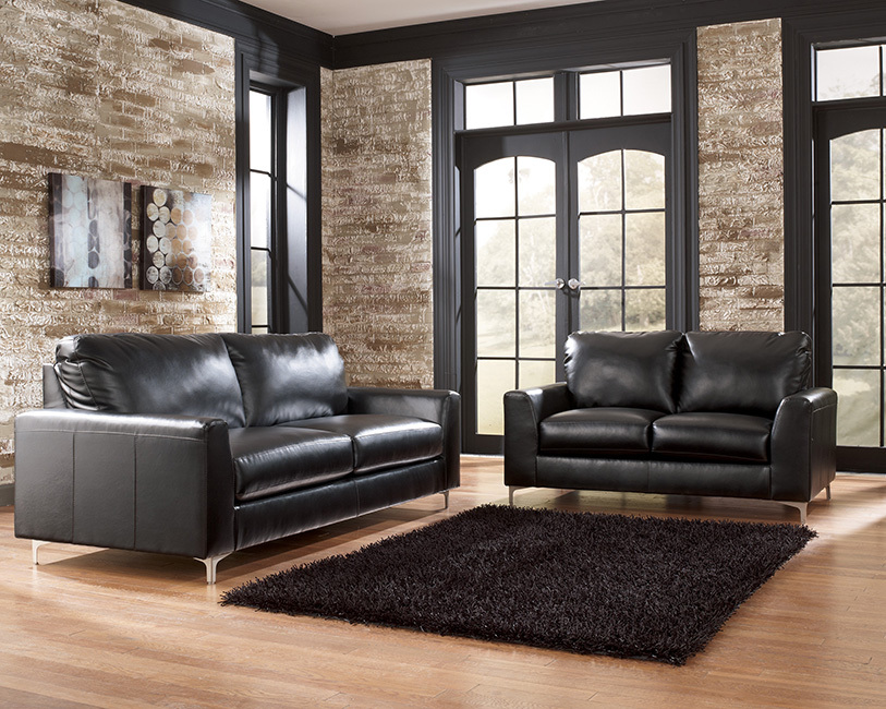 Kanoa Living Room Set in Black